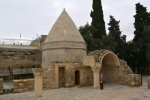 BAKÜ'DE SEYİD YAHYA ŞİRVANİ TÜRBESİ