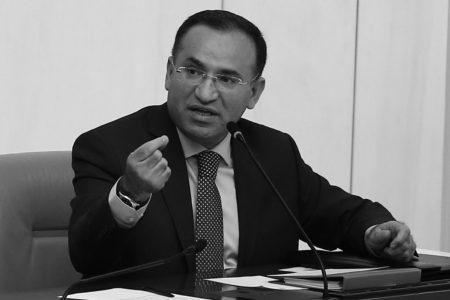 Bekir Bozdağ'dan İran Halkına Uyarı