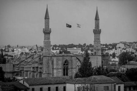 Kıbrıs'taki Camilerden Zafer Duası