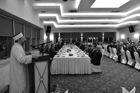 """""""İSLÂM İLKELERİNE GÖRE ROL MODEL OLMALIYIZ"""""""