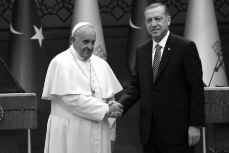 CUMHURBAŞKANI ERDOĞAN İLE PAPA FRANCİSCUS GÖRÜŞMESİ SONA ERDİ
