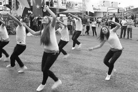 Kolbastı Dansı Bulgar Milliyetçileri Rahatsız Etti
