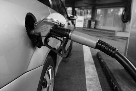 Benzin ve Motorine Yeni Zam Gündemde