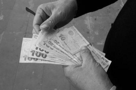 Üniversite Adayına Ayda 700 Lira